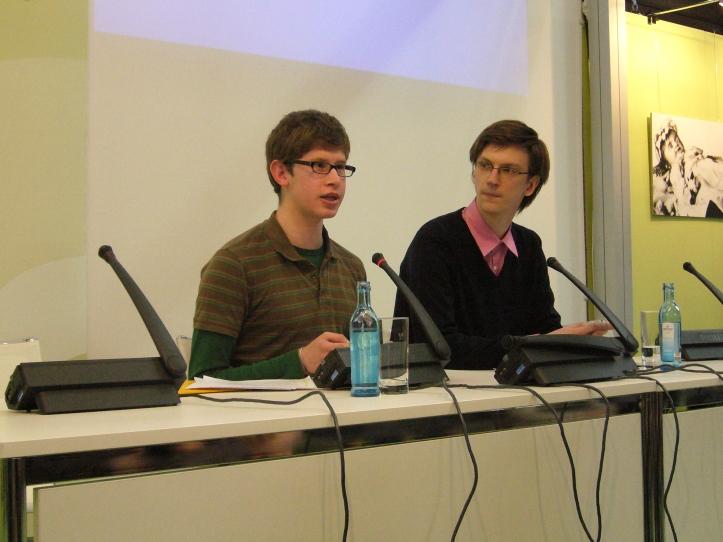 Gundars Ignats (rechts) und Andreas Jäkel auf der Leipziger Buchmesse 2014